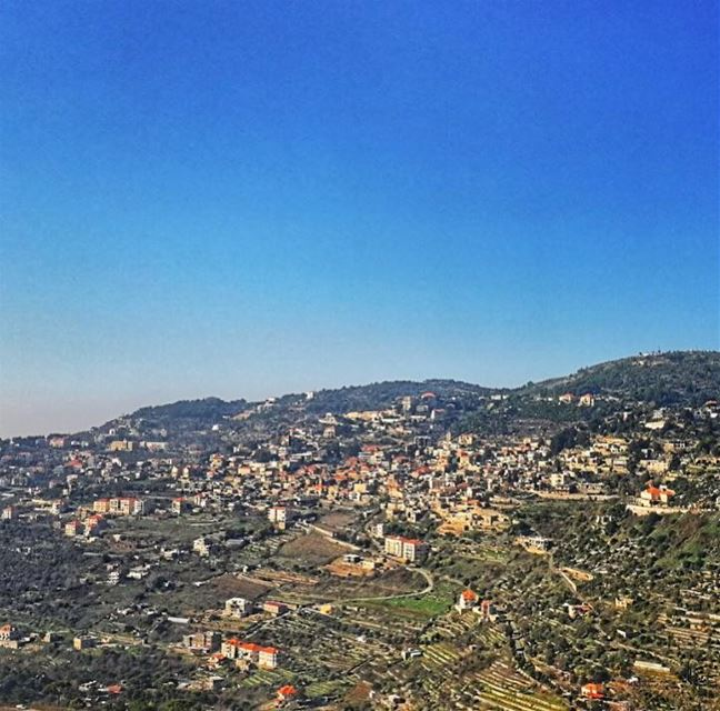 You'll never find peace of mind until you listen to your heart.🙏🏻❤️... (Dayr Al Qamar, Mont-Liban, Lebanon)