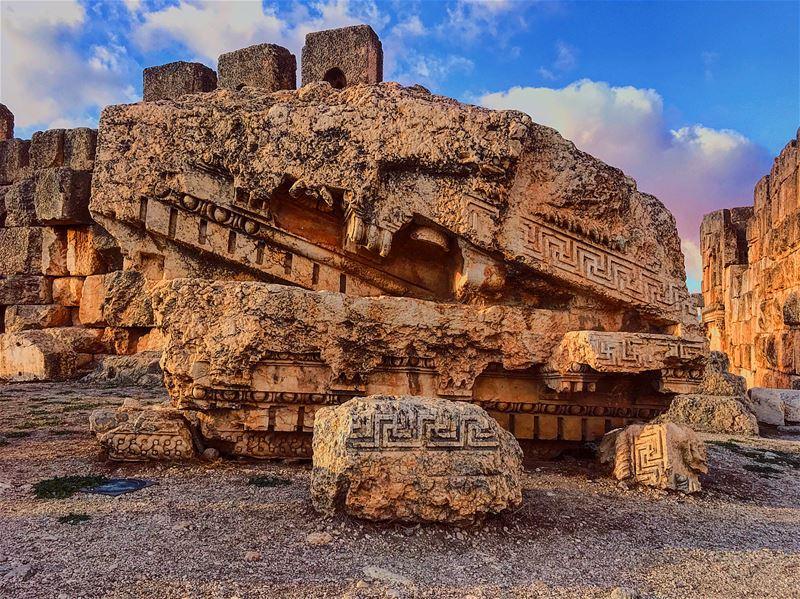 Debout baalbek lebanon 🇱🇧 traveling 🏕 wein_maher 🤷🏻♂️........ (Baalbek, Lebanon)