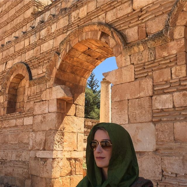 Um anjo em Anjar! An angel in Anjar! Lebanon 🇱🇧 Lebanon anjar beqaa ... (`Anjar, Béqaa, Lebanon)