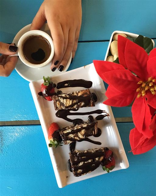 Sunday, Coffee ☕️, Dessert 🍪 = P.E.R.F.E.C.T.I.O.N Have a Great Sunday... (RAY's Batroun)