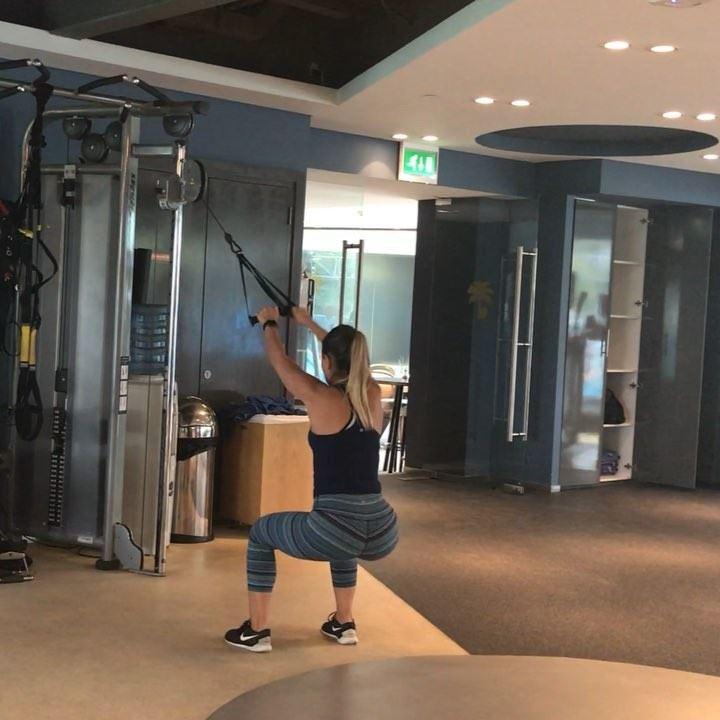 Cable workout , coz I do do upperbody (sometimes)🍒 3 x 10 squat and ... (Dubai, United Arab Emirates)