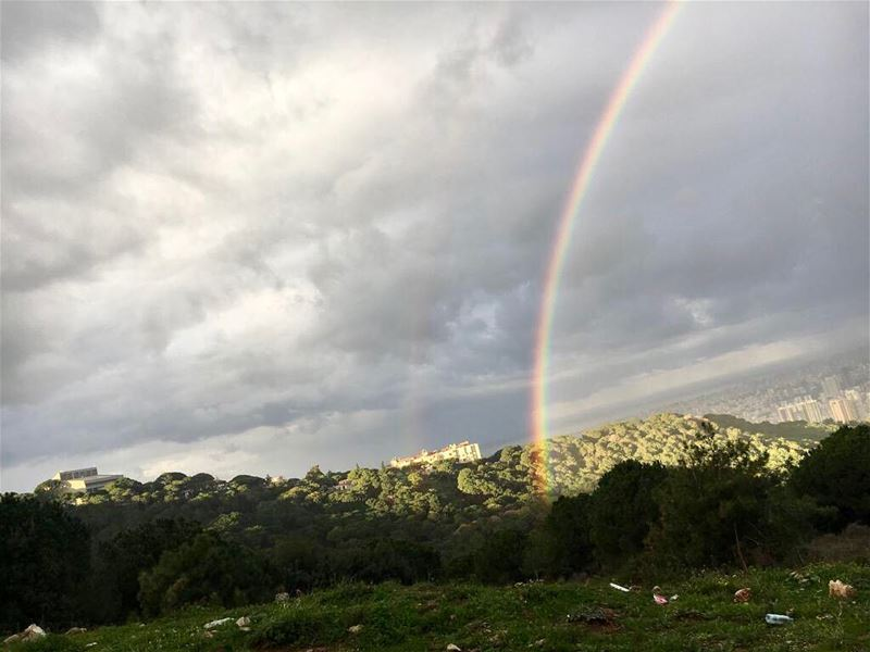 You 'll never find a rainbow if you're looking down.🌈 rainyday raimbow� (Jedeide, Mont-Liban, Lebanon)