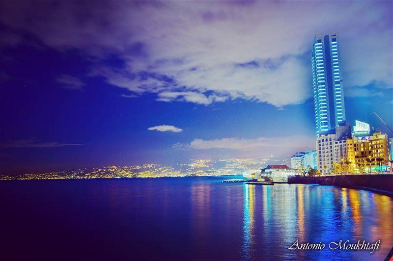 Night shot beirut hamra beiruting ... (Beirut, Lebanon)