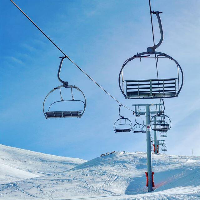 Winter wonderland 🌣❄💧🌫⛄⛄ wonders naturephotography ptk_nature ... (Mzaar Kfardebian)