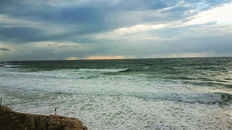 Today's storm 😮 lebanon batroun Beach wind windyday winter nature ... (Batroûn)