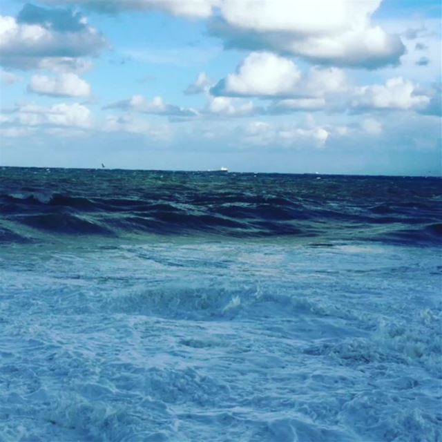 Such Mornings... Who doesn't love Winter? 🌊🌨🌩❄⚡video credit @ronykaddis (Manara Beyrouth)
