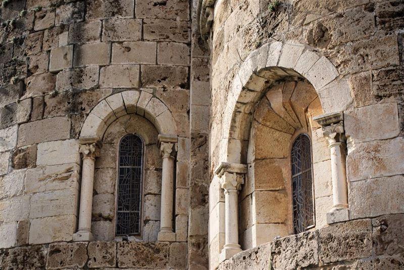 جيران (Eglise Saint Jean Marc - Byblos)