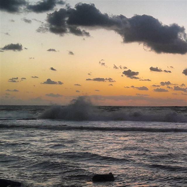 🌊🌊🌊 LiveLoveTripoli LiveLoveElMina TripoliLB Tripoli ElMina Sea ... (Corniche El Mina Tripoli)
