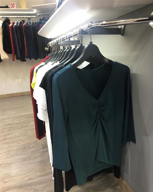 Top by ImperialDailySketchLook 217 shopping italian boutique ... (Er Râbié, Mont-Liban, Lebanon)