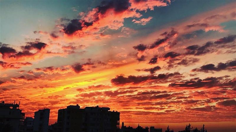 get lost 🔥☁️ sunset  sunsets_captures  sunsetlovers  clouds ...