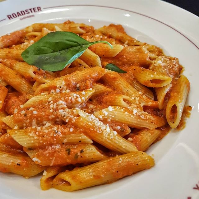 Can never get enough pasta 🍝... pasta cheese tomato penne ... (Roadster Diner)