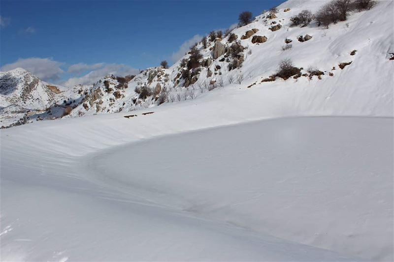 frozenpool pawdersnow milkshake laklouk snowboarding ... (El Laklouk, Mont-Liban, Lebanon)