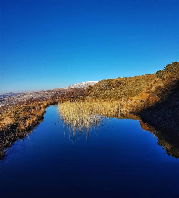 Deep blue and ice reflection sky ptk_sky landscape amazing color ... (Mount Lebanon Governorate)