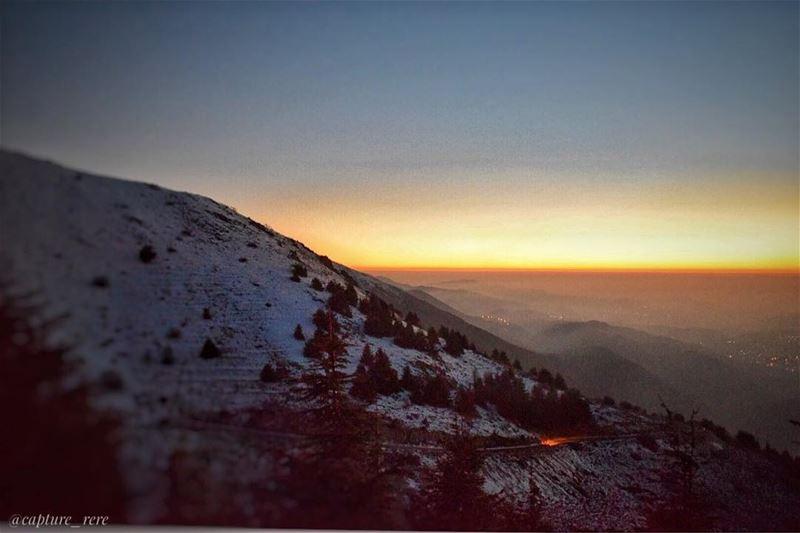 An amazing sunset from Maaser el Chouf 😃مغيب الشمس من معاصر الشوفPhoto... (Maaser El Shouf Cedar Reserve محمية ارز معاصر الشوف)