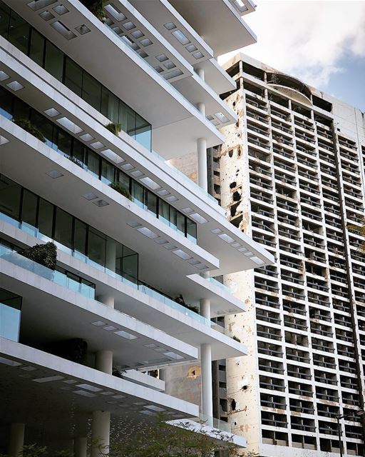Merging! beirut lebanon oldvsnew herzogdemeuron..... moodygrams ... (Beirut Terraces)