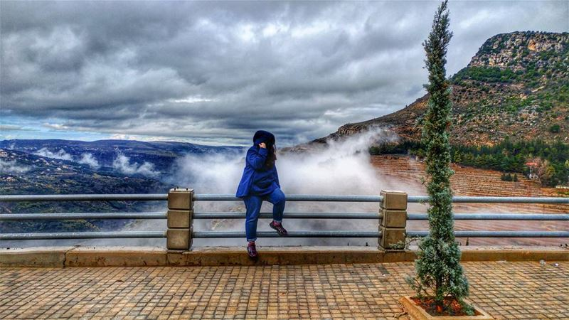 Breathtaking view 💨........ jezzine fog amazingviewsoflebanon ... (Jezzine District)