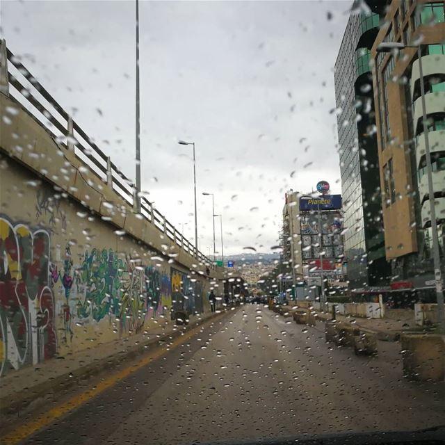♥️🌧️♥️ water photooftheday rainydays raining rainyweather instarain... (Furn Shebak, Beyrouth, Lebanon)