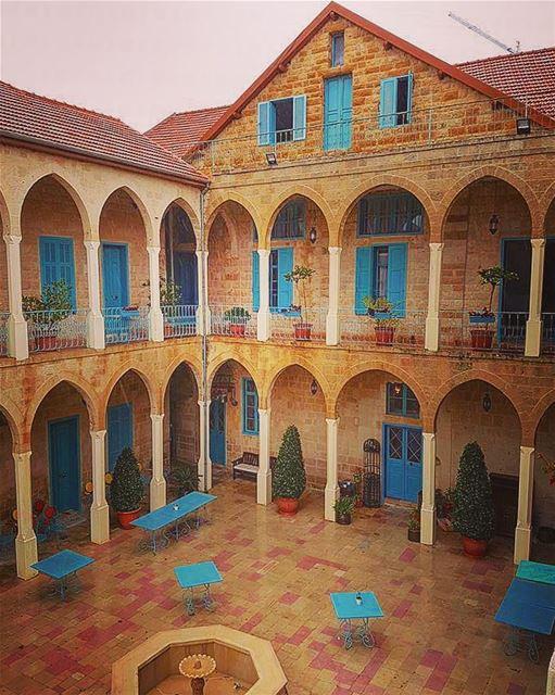 Old places have souls✨@livelovedeirelkamar @deiraloumara ————————————————— (Deir al Oumara)