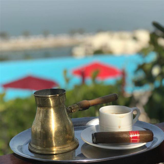 Relaxin day in Cove Rotana. morning sunny pool turkishcoffee coffee cigar... (The Cove Rotana Resort Ras Al Khaimah)