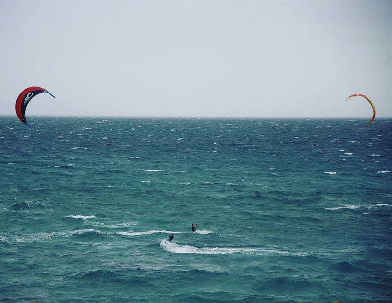 Can you guess the direction of the wind? lebanon batroun ... (Batroûn)