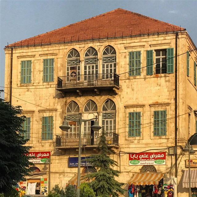 Iconic lebanese house in the city of ☀️ Lebanon tb travel travelgram... (Baalbek, Lebanon)