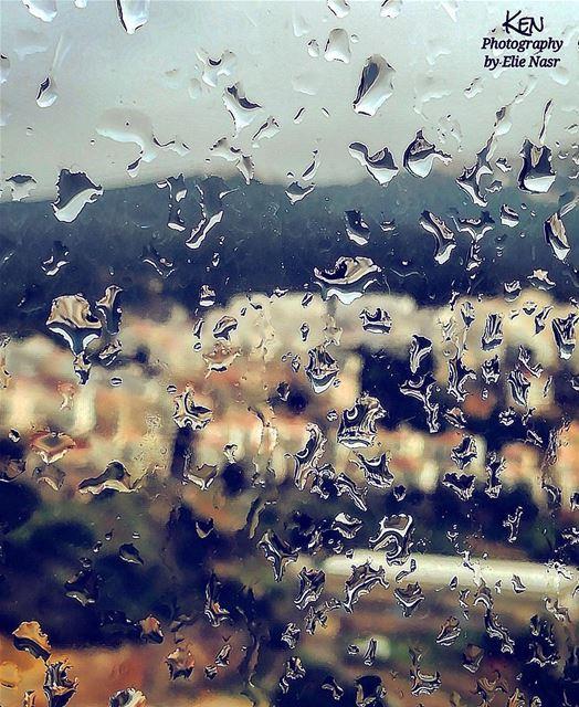 ...والمطر الأسود في عيني يتساقط زخّات زخّات يحملني معه يحملني لمساء ورد (Fanar, Mont-Liban, Lebanon)