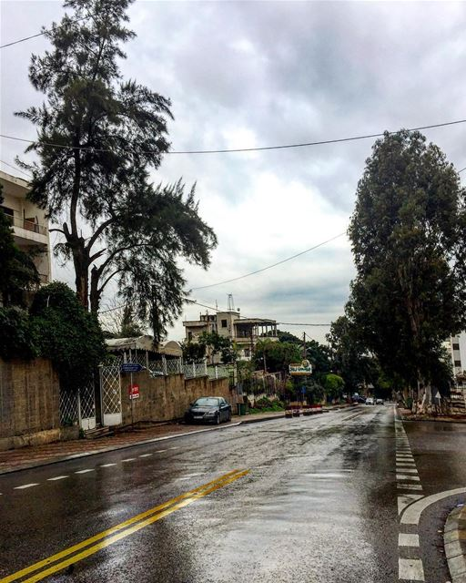 Have a happy rainy Sunday 🌧💙 sunday  rainyday  clouds  lovely  weather ... (Hazmie, Mont-Liban, Lebanon)