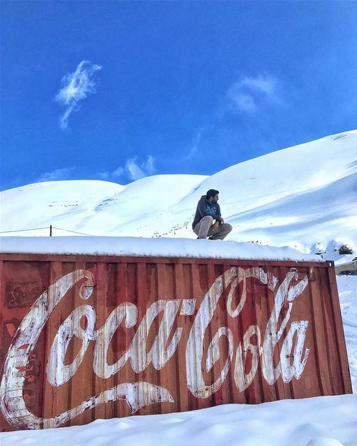 My weekly dose of Coca Cola just arrived💆🏻♂️..... cola cocacola ... (Téléskis des Cèdres - Cedars Ski Resort - Arz)
