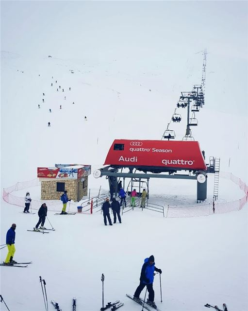 Don't you wanna be there right now 🏂❄------------------------------------ (Faraya, Mont-Liban, Lebanon)