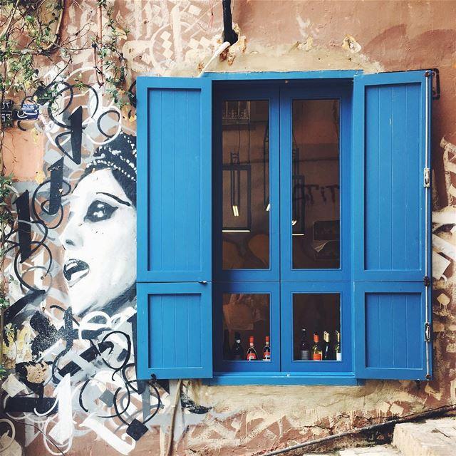 أنا من بلد الشبابيك المجروحة بالحب و مفتوحة عالصدفة🎉 (Beirut, Lebanon)