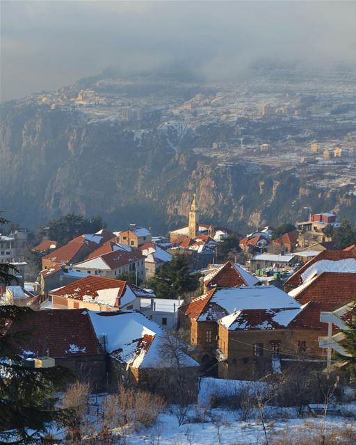 Hasroun é um pitoresco vilarejo cristão maronita espetacularmente situado... (Hasroun)