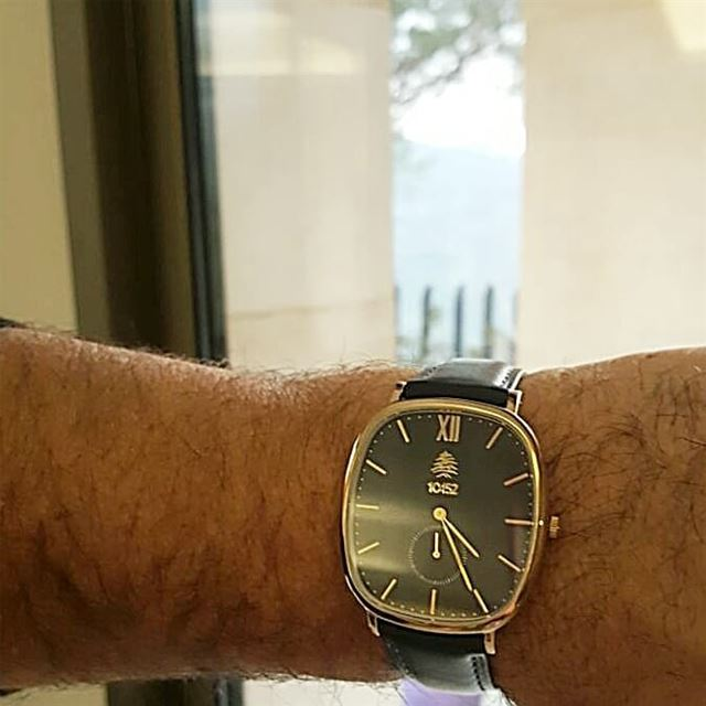 Have you tried the 10452DNA Mulberry watch with the darkblue leather ... (Beit Meri, Mont-Liban, Lebanon)