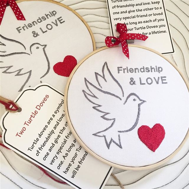 Friendship & LOVE ❤️ Write it on fabric by nid d'abeille hoops handmade ...