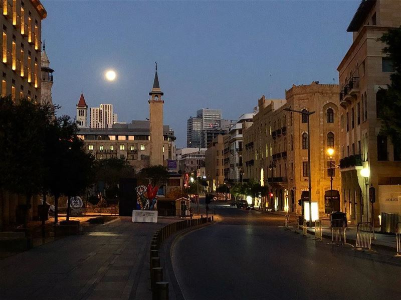 🕌 🌚 ⛪️ supermoon ig_nordnorge wolfmoon moon space 2018 superluna ... (Beirut, Lebanon)