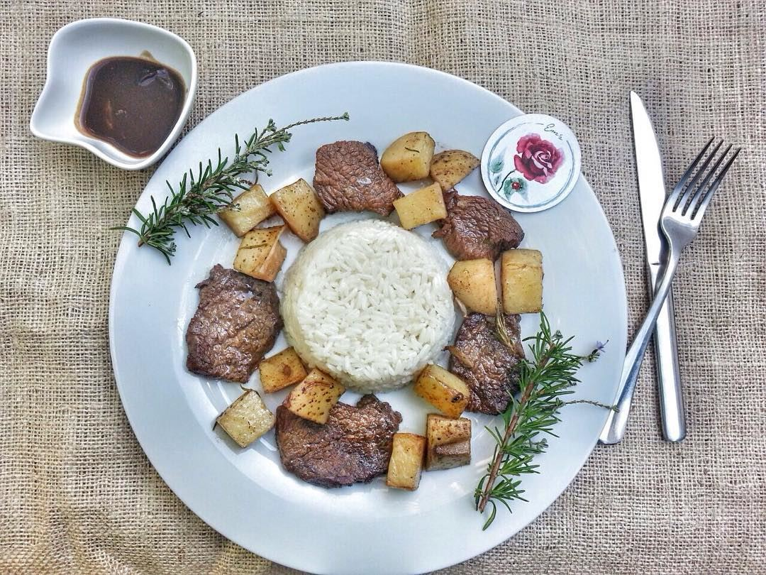 Glazed Beef with Rice and Potatoes anyone? Give us a call ☎️ 03 25 13 19,... (Em's cuisine)