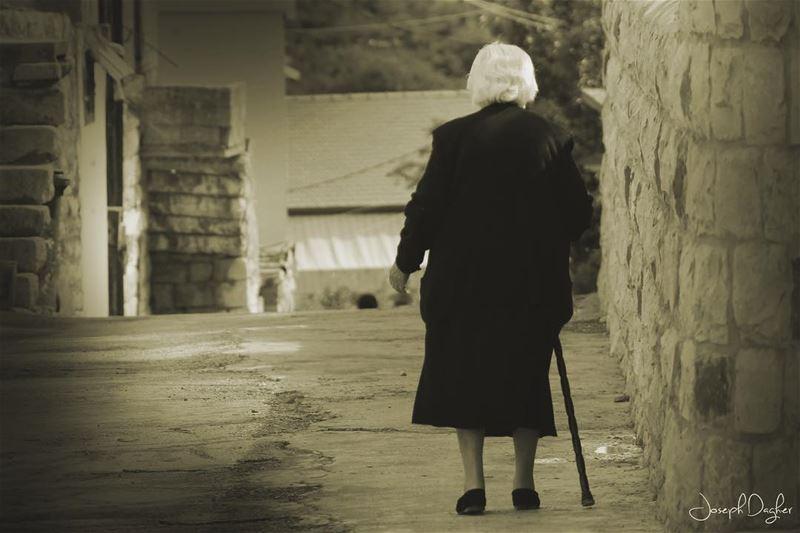 🏴بكرا الزمن رح يمحي اساميناويشحط عليها زياح السود... (Kfar Yâchît, Liban-Nord, Lebanon)