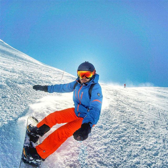 Dashing through the snow ! snowboarding livelovemzaar livelovelebanon...