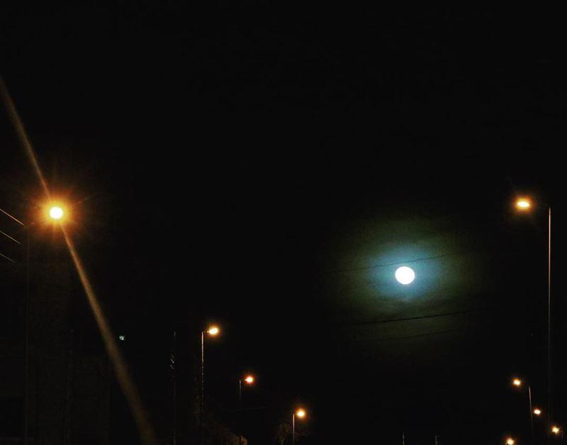 و بْطُلْ تخبرني حكايات،مخبى فيها كمشة ذكريات! moon brightmoon life ...