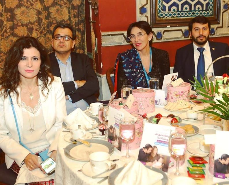 Surrounded by leaders from UNICEF and WHO, social activists, media,... (Villa linda Sursock)