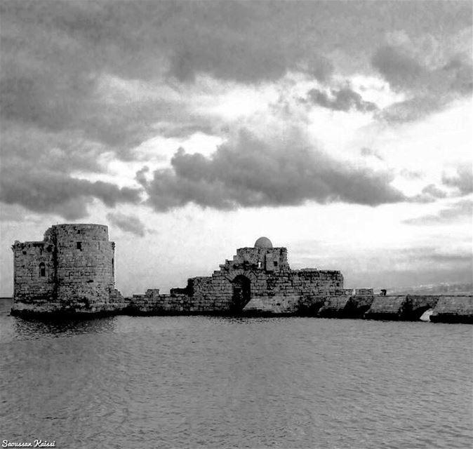 blackandwhite monochrome nostalgia heritage castle saida winter ...