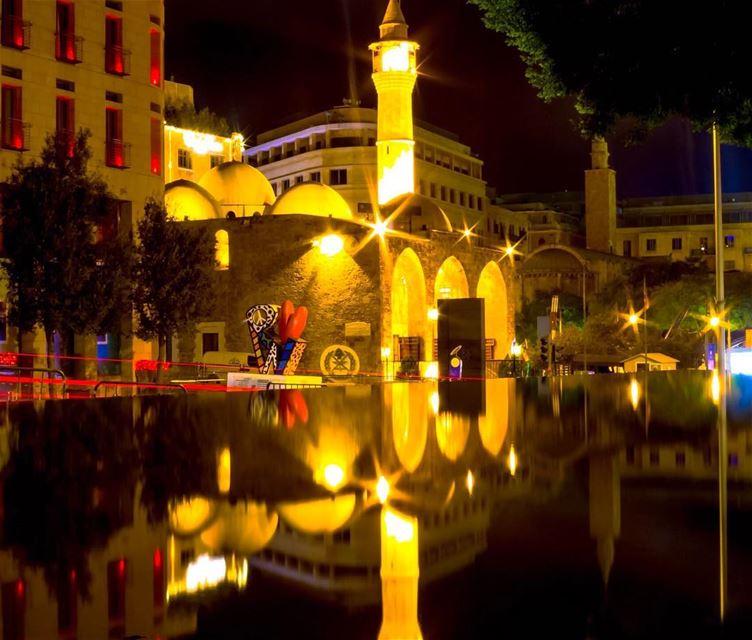 Beirut citylights cityscape water reflections longexposure lebanon... (Beirut, Lebanon)