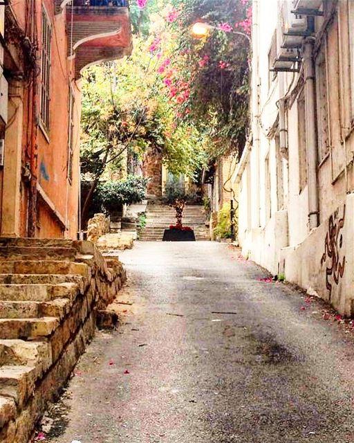 gemmayze livelovelebanon lebanon beirut livelovebeirut ilovelebanon ... (Jemmayze)