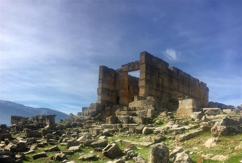 temple  ruins  fortress  weekendvibes  roadtrip  🐝  outdoors  adventure ... (السفيره الضنيه)