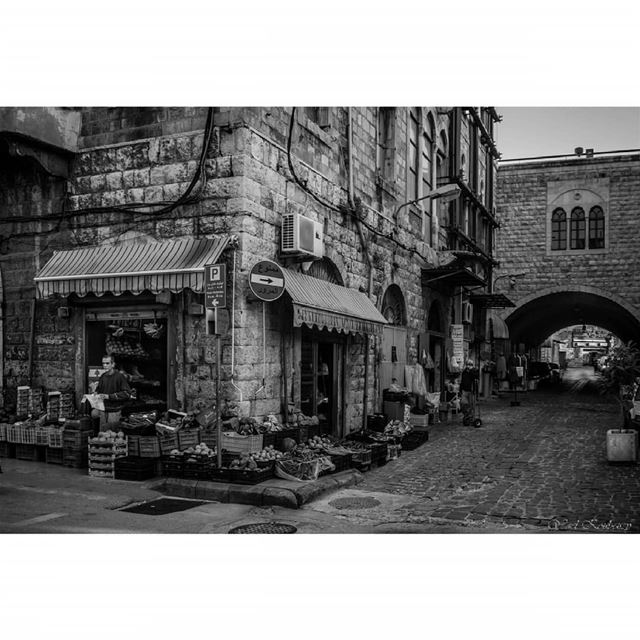 jounieh lebanon old market bnw blackandwhite street photography ... (Jounieh)