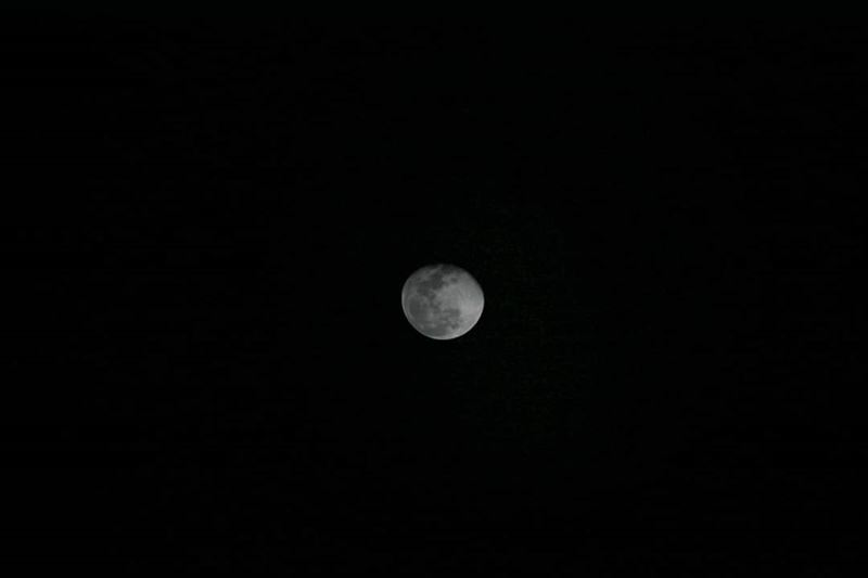نحنا والقمر جيران 🌑🌒🌓🌔🌕🌖🌗🌘🌙🌚🌛🌜 moon beirut lebanon ...