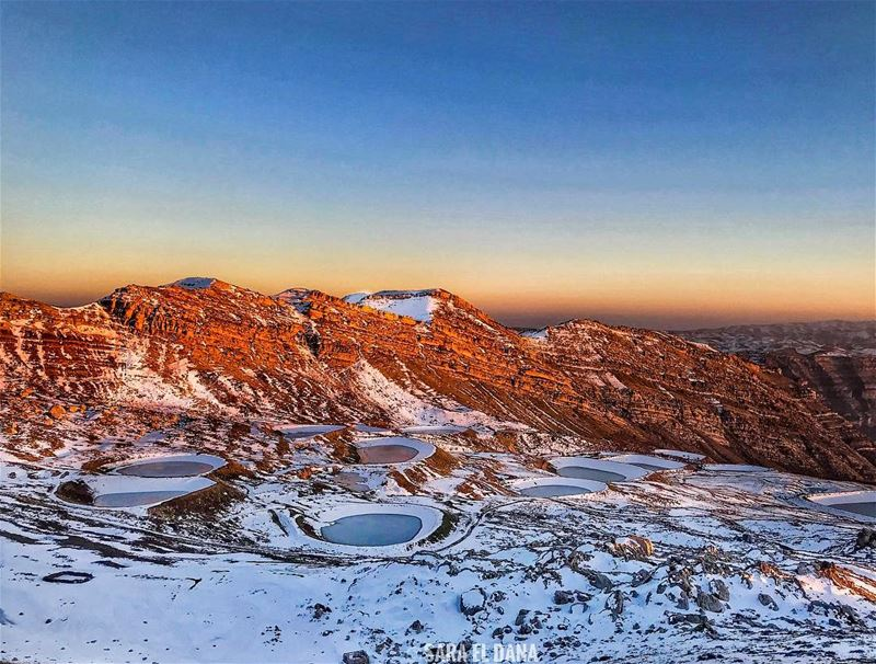 Waking up to this glorious view! ❄️ (Akoura, Mont-Liban, Lebanon)