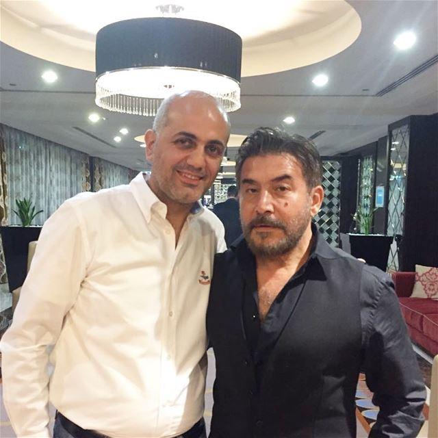 مع الممثل عابد فهد ،قريبا على راديو الرابعة في مقابلة خاصة. عابد_فهد راديو (Dubai, United Arab Emirates)