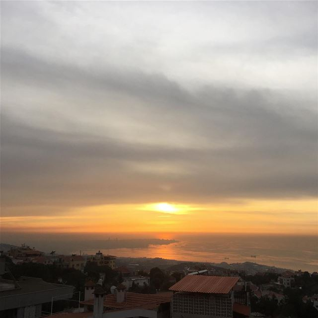 lebanon  instalike  colorful  sunset  sunsets_captures  clouds  horizon ...