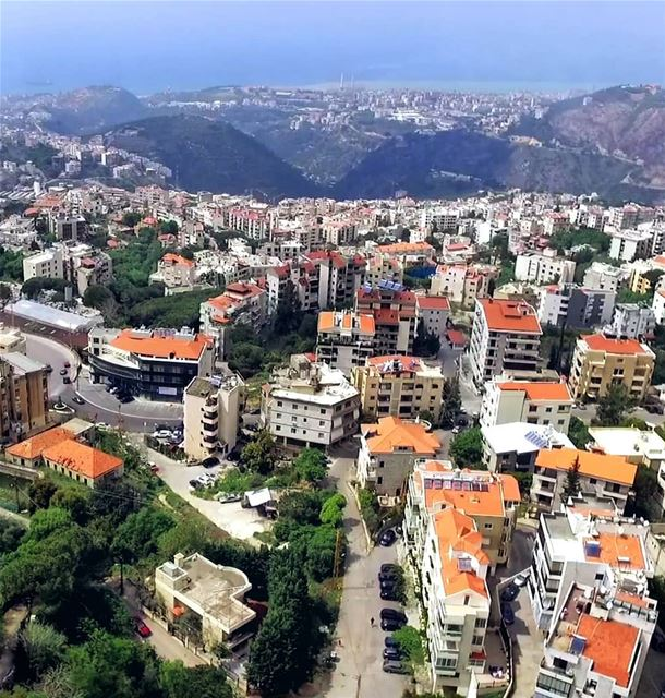 ما أجملك يا بلدي 🏘🌲❤ Zouk Mosbeh as seen from Mazraat Yachoua area. ----- (Lebanon)