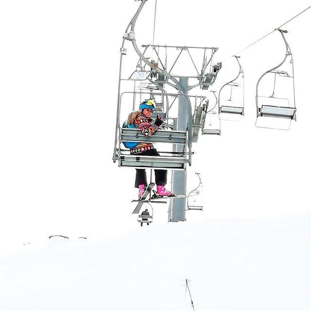 ✌🏂❤🐧 onthetop hanging skiinglife ski skiing ontheslopes allwhite ...